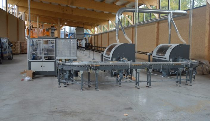 Saws and packaging line.