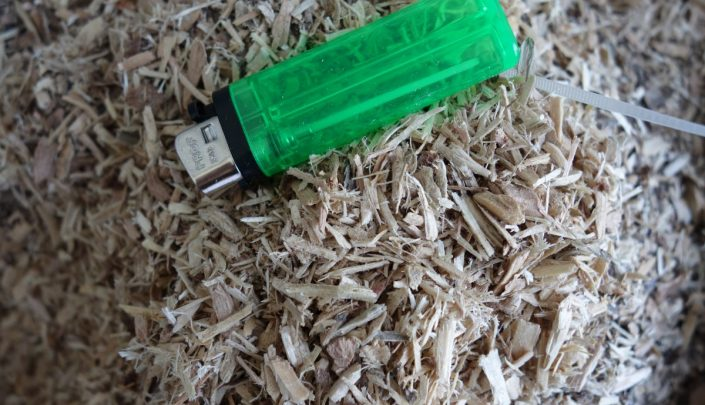 Particle size of raw material (wood waste)