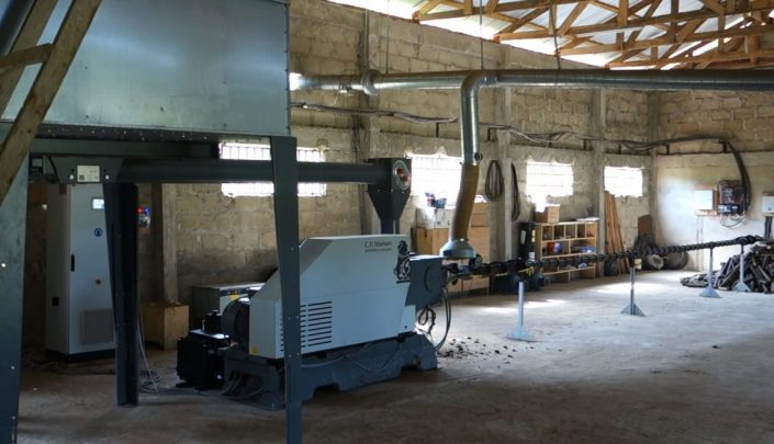 BP4000 producing 60 mm briquettes from hard wood